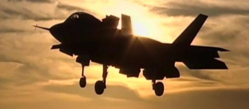 US Air Force grounds F-35 fighter jets - CNNPolitics.com - cnn.com