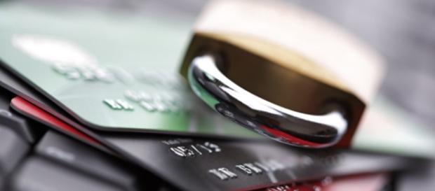 credit card photo via wikimedia commons