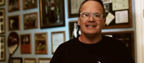 Jim Cornette and Vince Russo in a war - YouTube cap