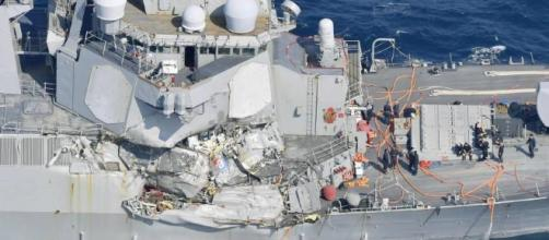 Seven sailors missing after U.S. Navy destroyer collides with screencap Videos USA Youtube