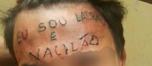 Tatuagem feita como forma de punição