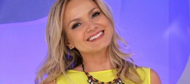 A apresentadora gravou uma entrevista com a cantora Cláudia Leitte (Foto - SBT )