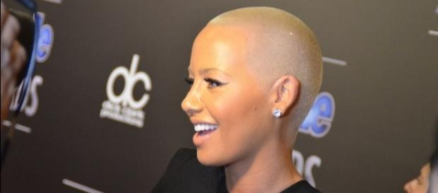 Amber Rose said her controversial photo was meant to encourage other women to love their bodies. (Wikimedia/Wikimedia/Mingle Media TV)