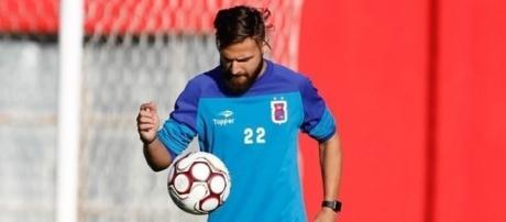 Último clube do jogador havia sido o Paraná ( Foto: Reprodução)