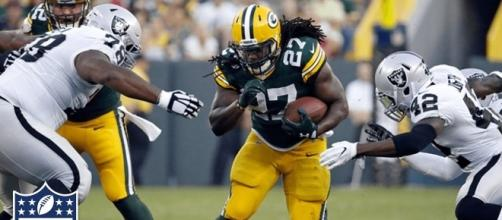 Eddie Lacy earns second weight incentive bonus from Seattle Seahawks - YouTube cap