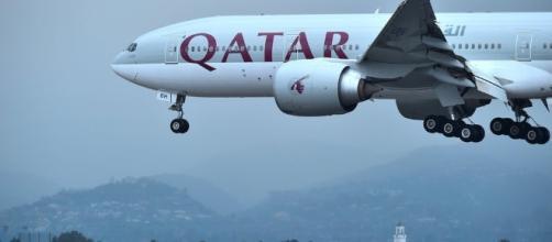 Irán envía cinco aviones de carga con alimentos para Qatar | Tele 13 - t13.cl