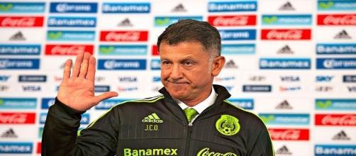 Juan Carlos Osorio y su cuerpo técnico apoyan al jugador internacional
