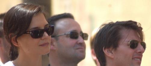 Katie Holmes, Tom Cruise, Suri Cruise/ Angela George via Wikimedia Commons