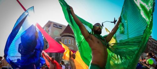 Multi-colorate coreografie sono state al centro di ogni carro che sfilava nella parata. Foto Elisa Parrino