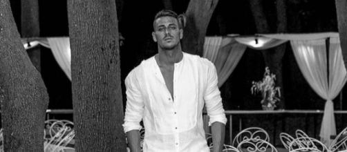 Uomini e Donne: Mattia Marciano contestato durante una serata in discoteca