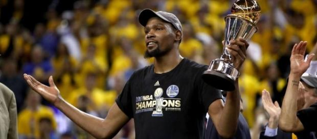 Los Warriors se hicieron con su segundo anillo de la NBA en tres años