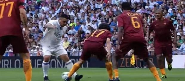 Ronaldo y su habilidad, ayer en el Santiago Bernabéu