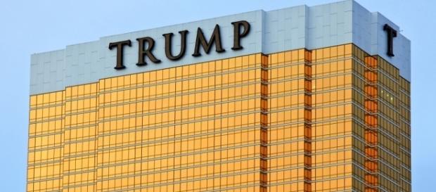 Trump building in Las Vegas. / Image by Håkan Dahlström via Flickr:https://flic.kr/p/7ih5R3   CC BY 2.0