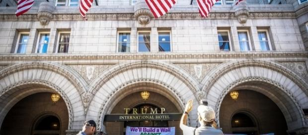 Trump international hotel in Washington D.C. / Image by Ted Eytan via Flickr:https://flic.kr/p/LdYMb9 | CC BY-SA 2.0