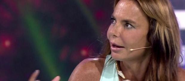La peineta de Leticia Sabater a Sandra Barneda