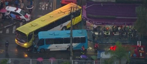 Câmera de segurança gravou o acidente (Foto: Reprodução/Vídeo)