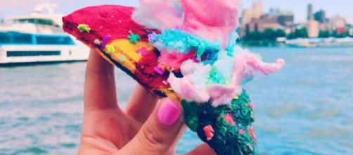 A Manhattan restaurant has created unicorn pizza and the Internet just can't deal. Photograph courtesy of: Danielle Tullo/ Instagram