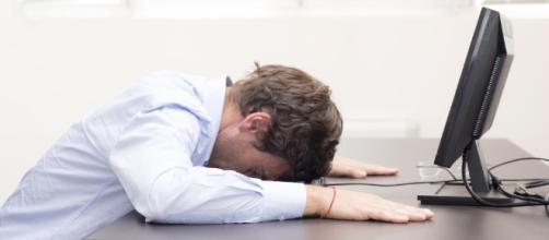 Cómo sobrevivir en el trabajo después de un día de fiesta