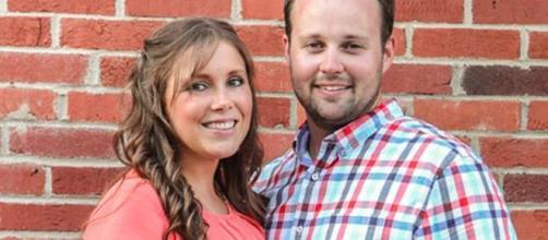Josh Duggar scandal has become messier, Ashley Maddison cheating site dragged (Entertainment Tonight/YouTube)