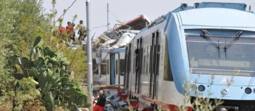 Lecce, scontro fra treni. Dieci feriti.