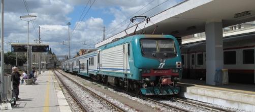 Nuovo scontro frontale fra due treni in Puglia; in questa foto d'archivio, la stazione di Lecce - Credits: Chris0693 (CC BY-SA 3.0)