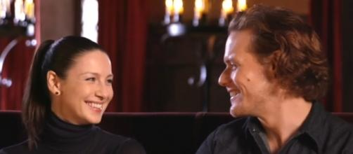 Sam Heughan and Caitriona Balfe are reportedly dating secretly. Photo by Entertainment Tonight/YouTube Screenshot