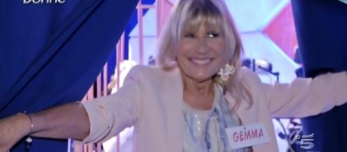 Uomini e Donne: arriva un brutto colpo per Gemma Galgani ... - novella2000.it