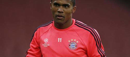 Video: Douglas Costa shows off outrageous skill in Bayern training ... - eurosport.co.uk