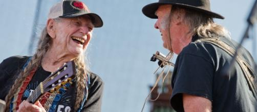 Willie Nelson and Neil Young will join a reunion of familiar performers and friends at Farm Aid 2017. ... - omaha.com