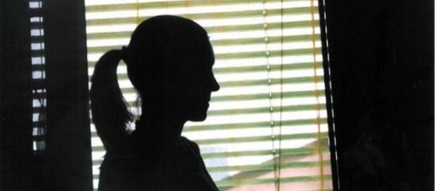 Jovem abusou sexualmente da mãe e da ex-namorada