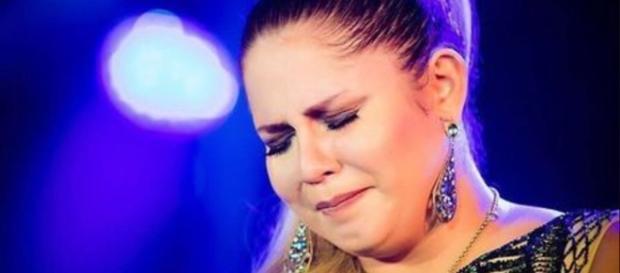 Cantora é humilhada por cantor de forró - Google