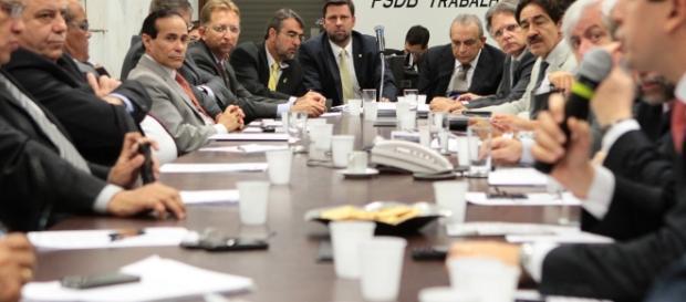 Encontro do PSDB reuniu vários representantes políticos.