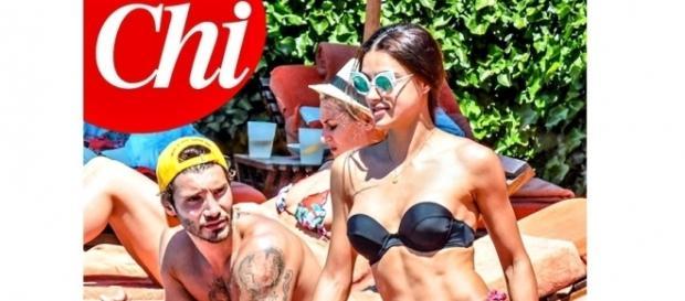 Gossip: Stefano De Martino paparazzato a Capri con Desirée Popper.