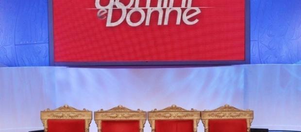 Il palcoscenico di Uomini e Donne