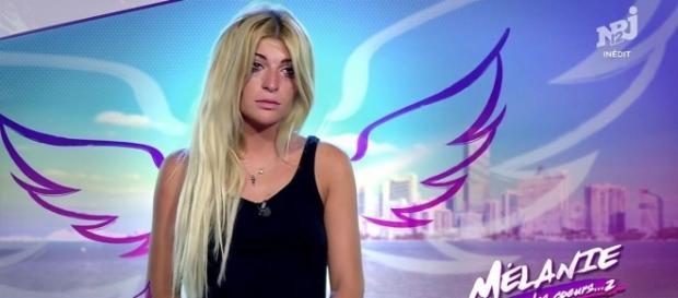 Les Anges 9 : en larmes, Mélanie est contrainte de quitter la ... - programme-tv.net