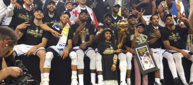 Los Warriors, campeones de la NBA 2016-2017 (vía Twitter - warriors)