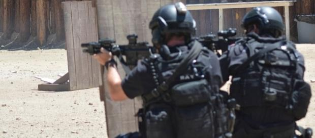 Marc Cooper, wikimedia photo, LAPD SWAT exercise