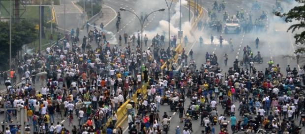 Qué representan los militares en la crisis política de Venezuela ... - univision.com