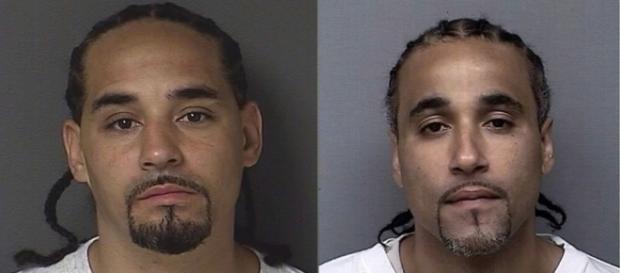 """Richard Anthony Jones (à direita) passou 17 anos na cadeia por um crime cometido pelo seu sósia """"Ricky"""""""