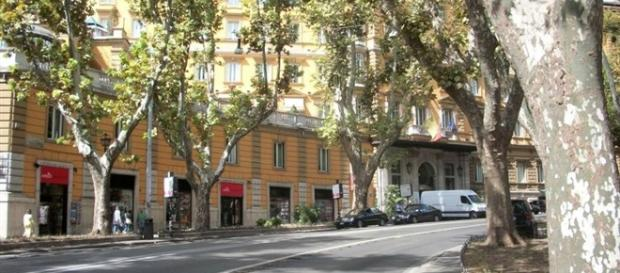Roma, turista ubriaco danneggia intero piano di un hotel in via Veneto