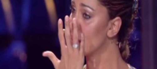 Belen in lacrime, una telefonata improvvisa e... - retenews24.it