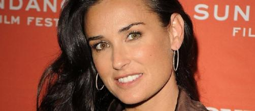 Demi Moore reveals the reason behind her teeth lose. Photo image source BN library