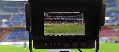 Diritti Tv: Sky ottiene il triennio 2018-2021 per la Champions League - calcioefinanza.it