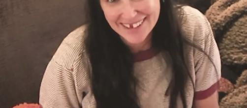 Demi Moore perdeu dois dentes da frente devido ao estresse (Foto: Reprodução/Rede Social)
