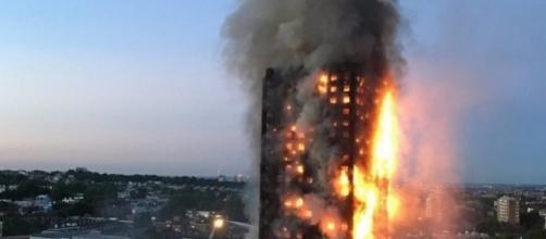 Londres: Un gigantesque incendie fait plusieurs morts