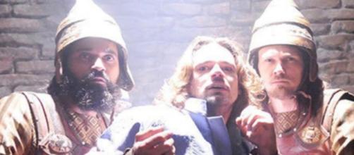 Príncipe Joaquim é preso na novela (Foto: Reprodução/Record TV)