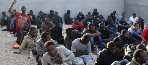 UE, sanzioni per i Paesi che non rispettano il piano di ridistribuzione dei migranti