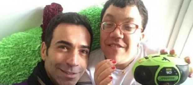 César Tralli dá parabéns à irmã, que é portadora de uma doença rara