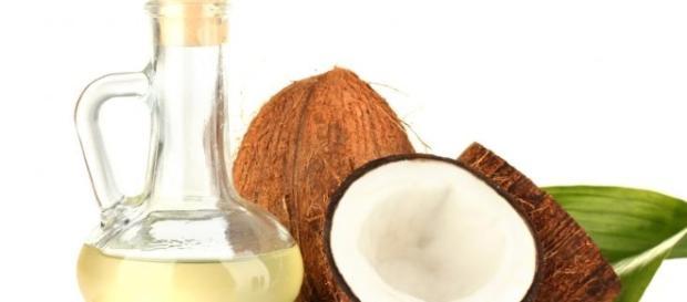 O óleo de coco é um alimento com muitos benefícios para a saúde