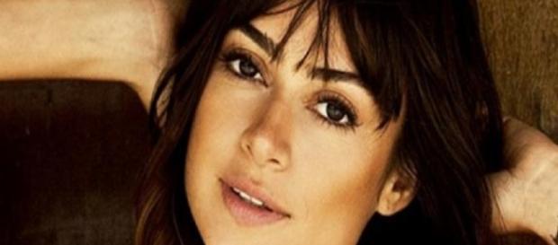 Thayla Ayala critica pessoas em Paris - Gooble